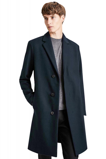 Get autumn ready with this stunning mens handmade midnight blue overcoat in alpaca wool. This mens made to order slim fit topcoat displays a stunning array of 2 on seam pockets on the front and 2 1/2 inch notch lapels. With a single breasted pattern, a length that sits right above the knees, and 3 front buttons to close, this stylish mens bespoke overcoat will make you a fashion icon at work.