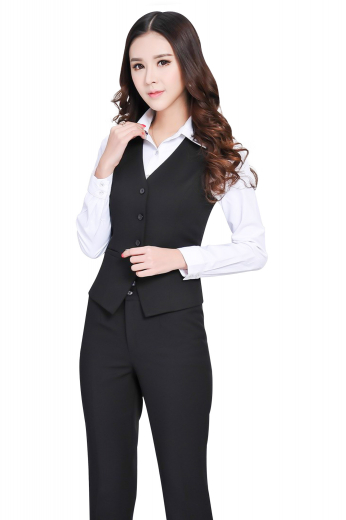A flattering slim cut vest in a beautiful single-breasted design, made from a fine blend of soft mink and cashmere this black vest features a high gorge and a refined v-neck, paired with a grand pair of slim cut flat fronts with no pockets.