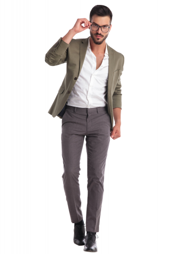 This men's classic grey pant is tailor made in a fine wool blend and cut to a slim fit, featuring slash pockets, extended belt loops, and a flat front pleat. It is sure to become a classic staple for your office wardrobe.