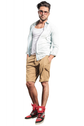 These camel coloured khaki shorts are tailor made in a fine wool blend and cut to a slim fit, featuring slash pockets and extended belt loops, perfect for casual wear.