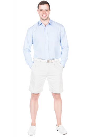 These slim fit shorts are tailor made in a fine wool blend and cut to a slim fit, featuring slash pockets, reverse double pleats, and extended belt loops. It is a great casual option!