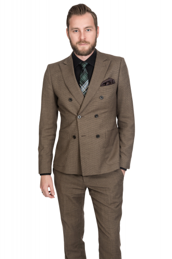 This men's pant suit is tailor made in a fine wool blend and cut to a slim fit, featuring a double breasted button closure, peak lapels, and patch pockets.