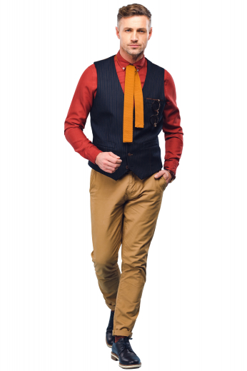 This men's slim cut vest is tailor made with a single breasted button closure and a v neck, featuring a welt pocket.