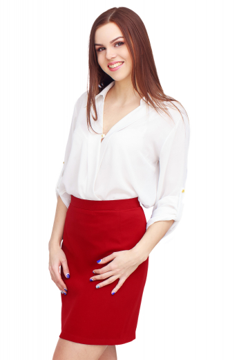 A gorgeous made to measure women's loose fitting standard cut formal shirt. This classic women's blouse is perfect for both casual and formal looks, tailor made with a relaxed ainsley style collar and rounded barrel cufs.