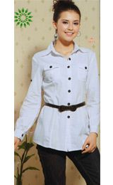 Go trendy with these handmade cotton shirts embracing surgeons sleeves sporting one contrast black button on each side, a little down the shoulders. Hand pressed collar lapels and six front black buttons, make these white shirts casual work wears. Wear with slim fit custom suit pants to create a stunning office look.