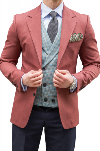 These men's salmon red blazer are tailor made in a fine wool and tweed and cut to a slim fit, featuring single breasted button closure and notch lapels. It is a fantastic formal wardrobe staple!