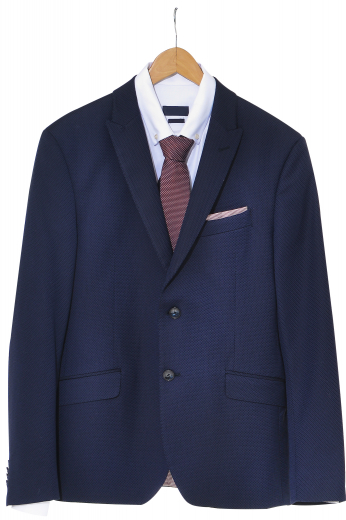 These men's dark blue sailor-inspired blazer are tailor made in a fine wool and tweed and cut to a slim fit, featuring single breasted button closure and notch lapels.