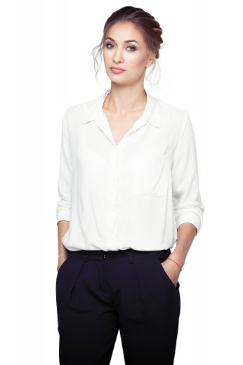 Style no.17016 - This women's pant suit features a reverse pleat and is cut to a slim fit. It is perfect for all occasions, custom made in a wool blend.
